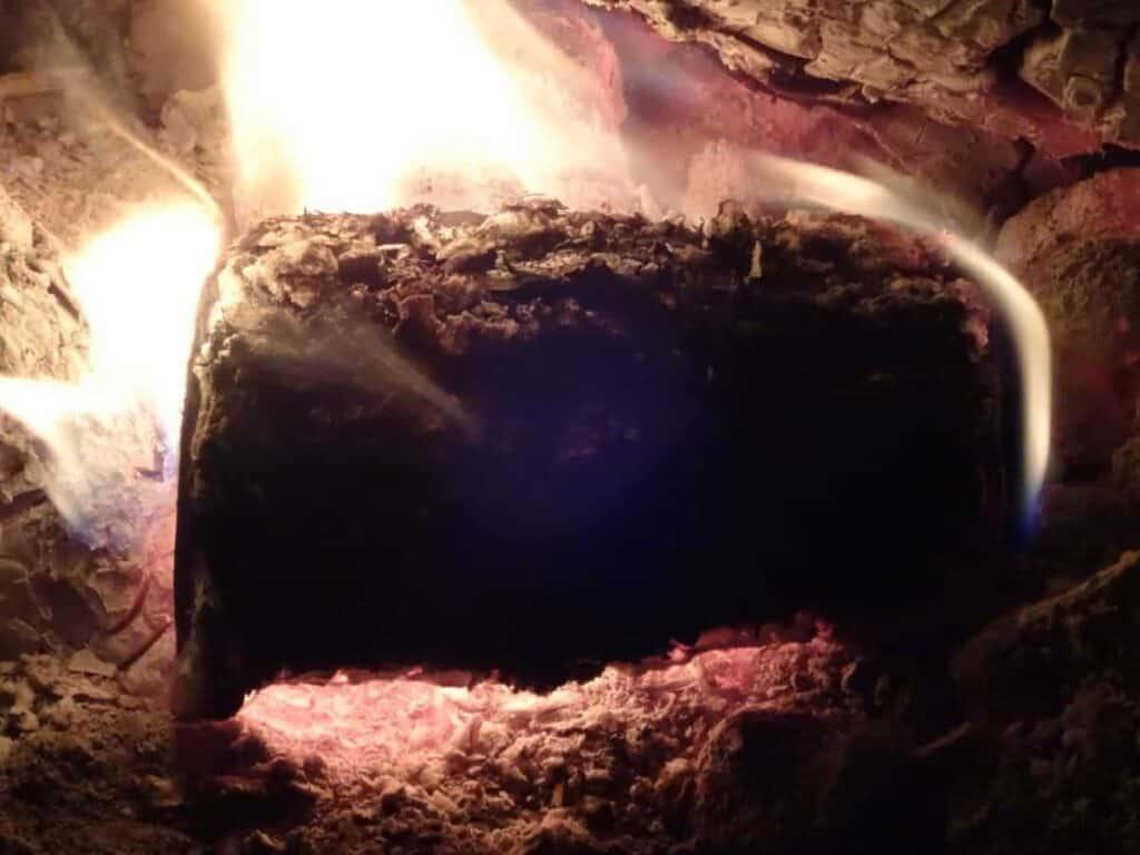 campfire_log_burning