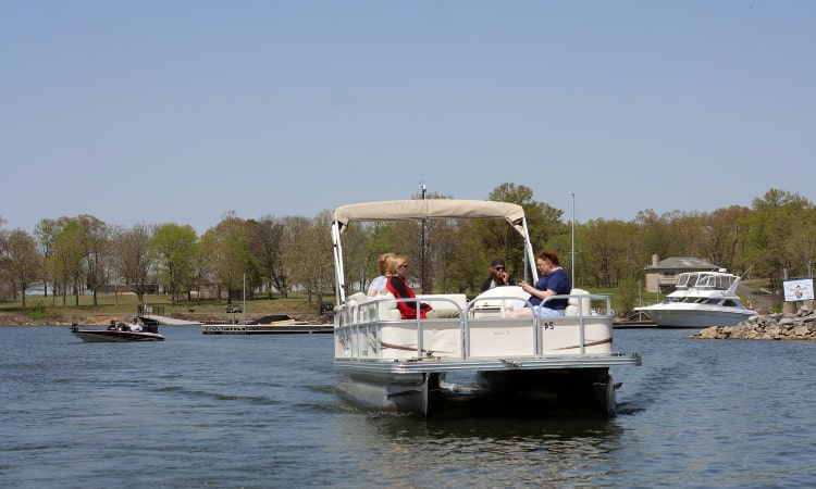 What Size Motor for a 24-Foot Pontoon Boat