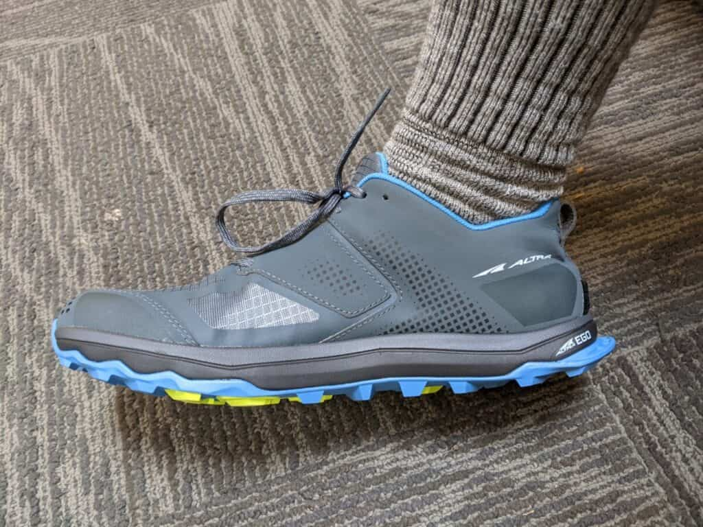 me-wearing-altra-lone-peak-shoes-with-no-slope-from-heel-to-toe