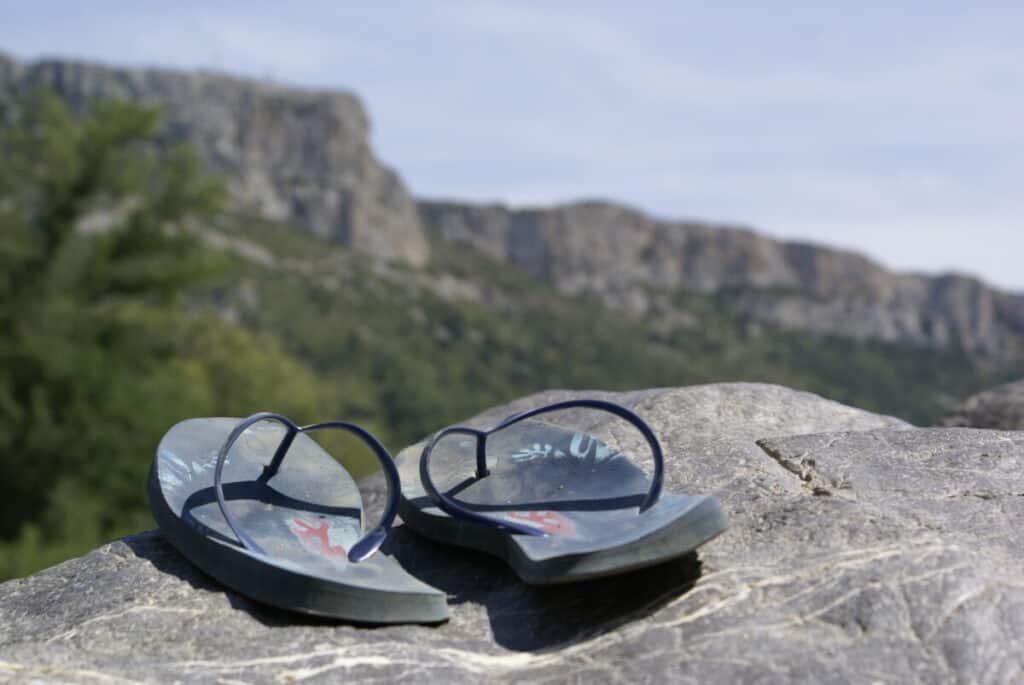 flip-flops-on-vista-overlook