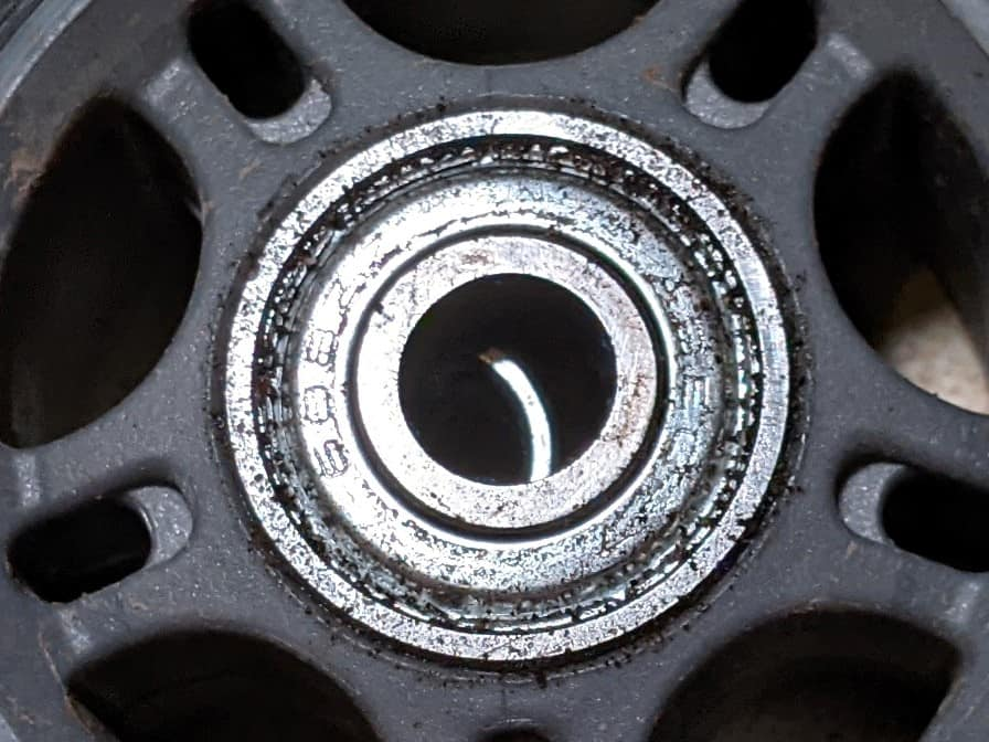 spacer-between-parallel-bearings-in-wheel